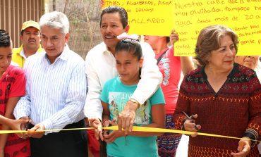 Alcalde Ricardo Gallardo entrega obras en col. General I Martínez