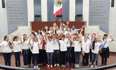 Alumnos de Rioverde vistan Congreso del Estado