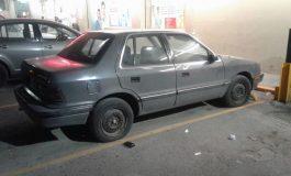 Recuperan automóvil con reporte de robo en La Raza