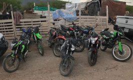Detenidos dos sujetos con droga y se recuperan 10 motocicletas