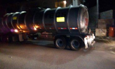 Aseguran pipa con 31 mil litros de combustible ilegal en Tampamolón