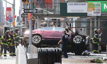 Auto arrolla a multitud en Times Square, 20 heridos y 1 muerto