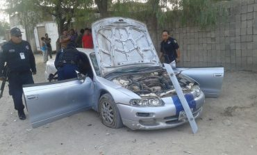 Chocan y abandonan auto en Colonia Rancho Nuevo