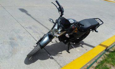 Detienen a sujeto por conducir motocicleta con reporte de robo en Los Molinos