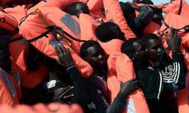Rescatan a casi 2 mil 500 inmigrantes en las costas de Italia