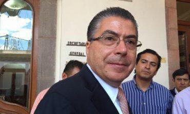 Secretario de Finanzas, José Luis Ugalde Montes lucra políticamente con su cargo.