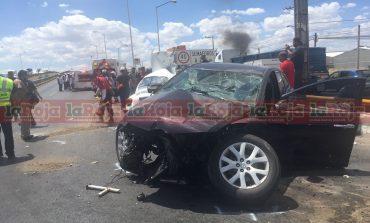 Choque en carretera 57 colapsa tráfico, 3 lesionados