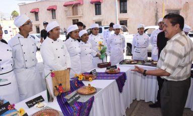 Estudiantes del CONALEP ofrecieron muestra gastronómica en Soledad