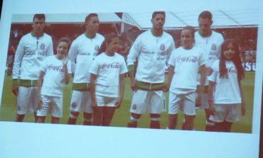 Piden a FMF y FIFA dejar de usar a niños con publicidad dañina