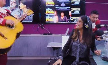 Jorge Campos le manda mariachi a Salma Hayek hasta Los Ángeles