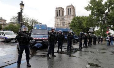 Frustran atentado en catedral de Notre Dame en París