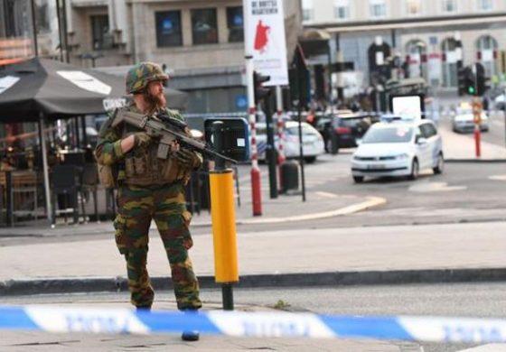Hombre detona explosivos en estación de Bruselas