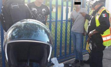 Detienen a sujetos por robo de celular a mujer en plena Alameda