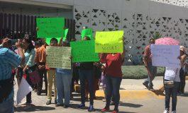 Habitantes de Soledad exigen continuar obras en calle Acapulco