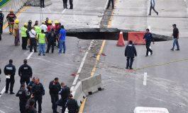 Intentan rescatar a personas dentro de socavón en Paso Express de Cuernavaca