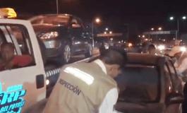Personal de la SCT secuestra vehículos que den servicio UBER en la FENAPO.