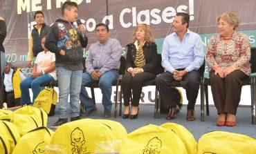 Alcalde Ricardo Gallardo Juárez gestiona más apoyos para estudiantes