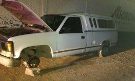 Roban, desvalijan y abandonan camioneta en Camino Viejo a Cerro de San Pedro