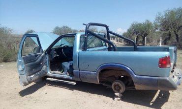 Los roban y algunos los desvalijan , localizan dos camionetas más con reporte de robo