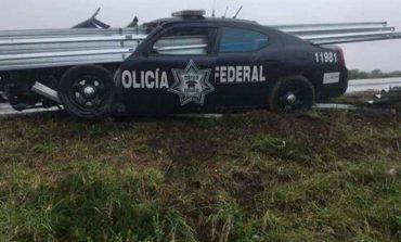 Choca auto de la Policía Federal en Carretera 57