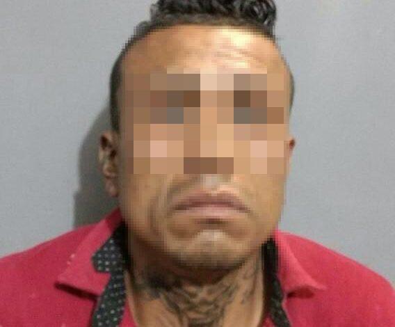 Detienen a presunto narcomenudista en Pavón