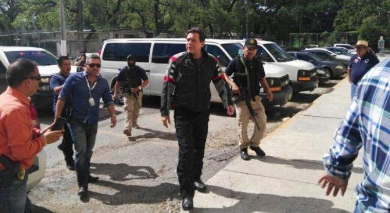 Circula en redes imagen de la detención de ex gobernador de Tamaulipas