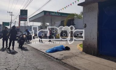 A balazos le quitan la vida a hombre en lateral de Carretera a Matehuala