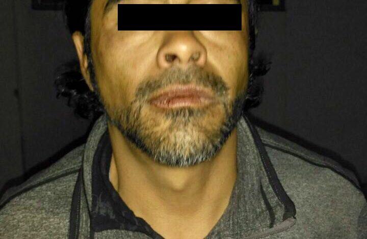 Detienen a sujeto que asaltaba a transeúntes con chicharra y arma blanca en Zona Hotelera