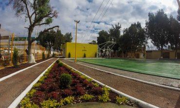 Se rehabilitan áreas verdes en colonias