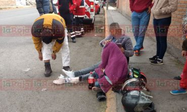 En dos diferentes hechos, motociclistas resultan lesionados tras accidentes viales