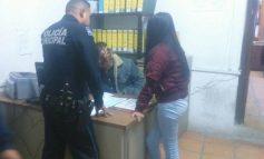 Aseguran a menor de edad que vendía billetes falsos, un adulto que le acompañaba logró huir