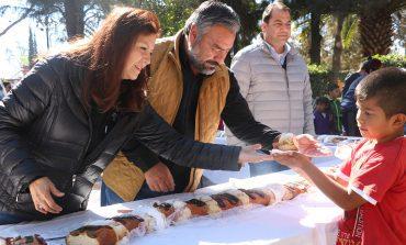 Celebran Día de los Reyes Magos con partida de rosca, en Villa de Pozos
