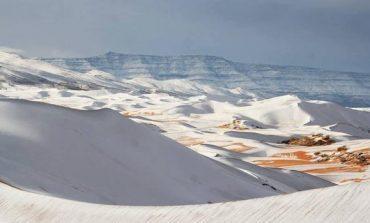 El frío llegó a África y cubrió de nieve el Sáhara