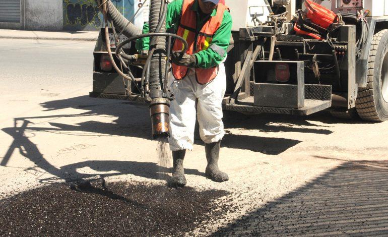 Trabajos de bacheo emergente se extienden a Delegación La Pila