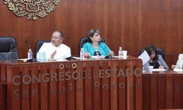 Por Ley deberán cumplir requisitos para acceder a becas del INPODE