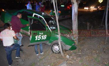 Taxista lesionado en accidente en el Periférico de la Muerte