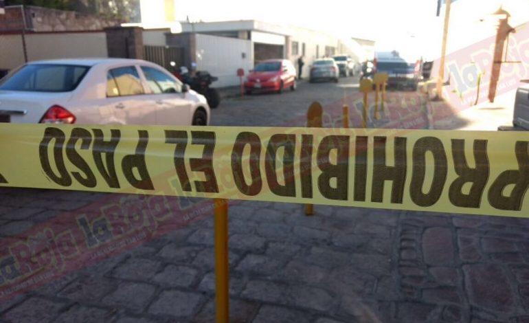 Empresario muere por disparo de arma de fuego, se presume suicidio