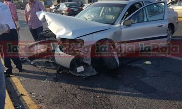 Accidente en Zona Universitaria, sobre Salvador Nava, genera tráfico