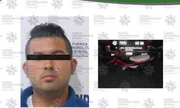 Al bote por circular en moto robada; pretendía huir al verse acorralado