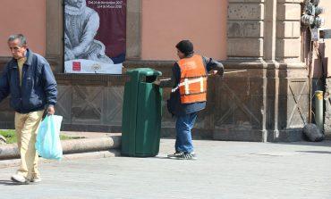 Fortalecen servicio de recolección de basura con nuevas papeleras en el CH