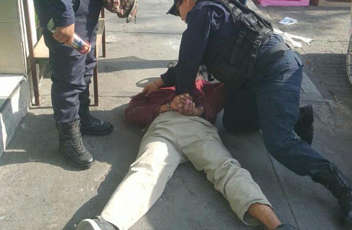 Policía de Soledad detiene a ladrón en Av. de Los Pinos