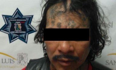 Intentó robar a mujer embarazada, logran detenerlo entre vecinos y policías