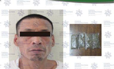 """Detienen en la Simón Díaz a hombre con varias """"grapas"""" de droga"""