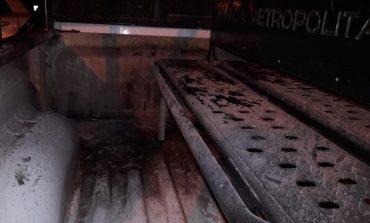 Lanza bomba Molotov a patrulla de la policía estatal como un presunto acto de intimidación