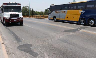Dan mantenimiento correctivo a puente de Avenida Universidad