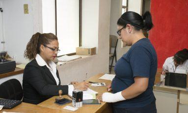 Consultorios gratuitos atienden diariamente a 40 personas de bajos recursos