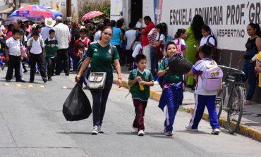 Reportan 10% de ausentismo en escuelas por partido de México
