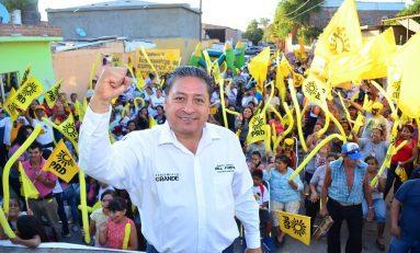Crecimiento ordenado y sustentable en Soledad, ofrece el candidato del PRD, Gilberto Hernández Villafuerte