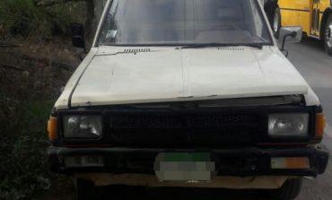 Abandonan camioneta con reporte de robo