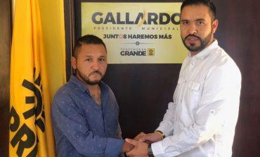 Dirigente juvenil renuncia a Morena y se une al PRD